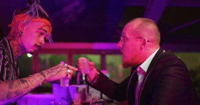 What's UP & NIKOLAS SAX - Barman Versuri