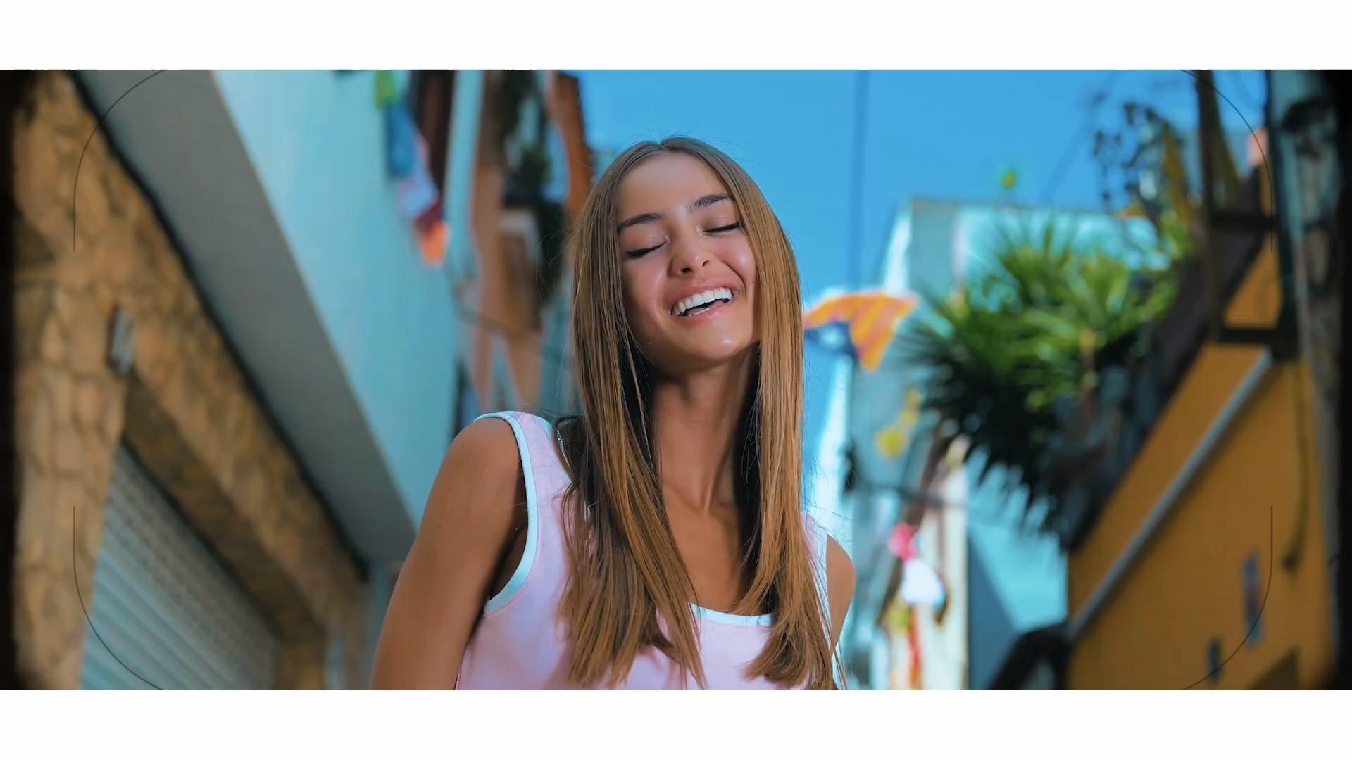 Iuliana Beregoi – Singura nu-i rau - Versuri